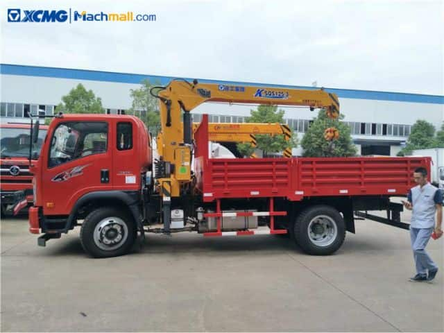 XCMG 4 ton small truck mount crane for sale