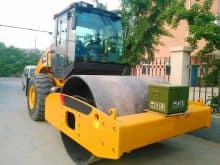 XCMG official 16 ton XS163J vibratory road roller compactor for sale