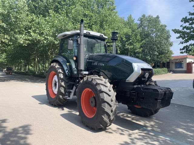 Factory Supply 130HP 4WD Walking Diesel Agricultural Farm Tractor Made in China