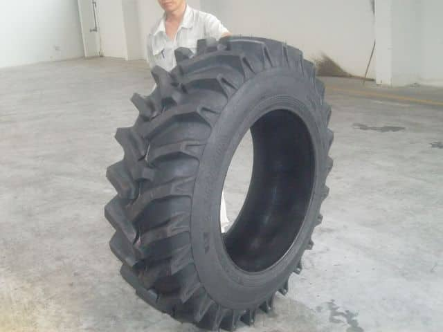 AGRICULTURAL TYRE R-7 PATTERN